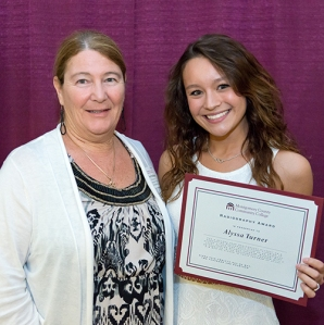 Radiography Program Director Deb Poelhuis presents Alyssa Turner with the 2014 Radiography Award. Photo by Sandi Yanisko